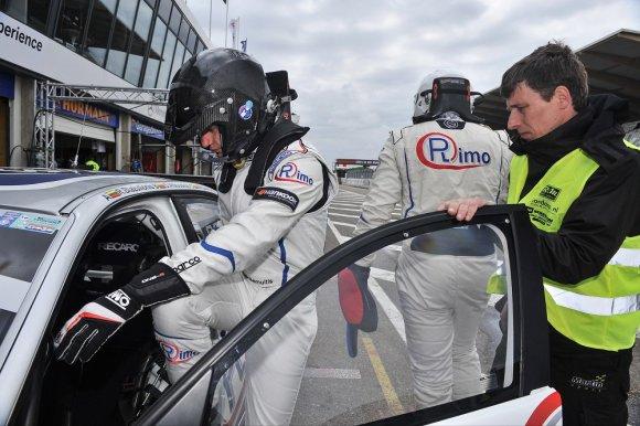 Komandos nuotr./Martynas Samuitis ruošiasi lenktynių startui Olandijoje