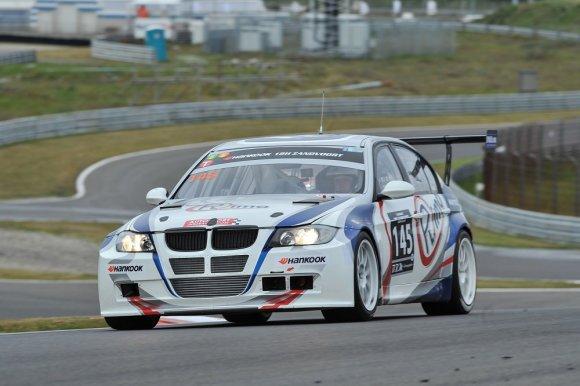 "Komandos nuotr./""Rimo"" komanda vairuos BMW 335D automobilį"