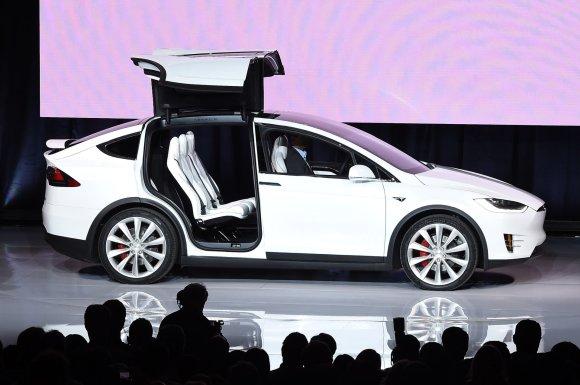"AFP/""Scanpix"" nuotr./""Tesla Model X"" pristatymas"