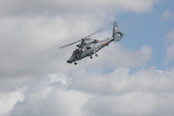 """Alvydo Januševičiaus nuotr./Visuomenei pristatytas sraigtasparnis """"Dauphin"""""""