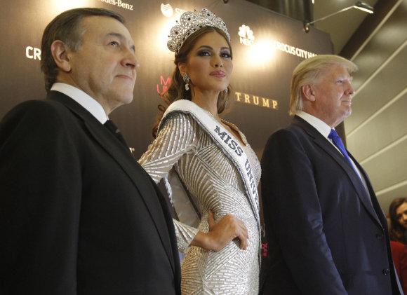 """""""Scanpix"""" nuotr./Arasas Agalarovas, Gabriela Isler ir Donaldas Trumpas Maskvoje"""