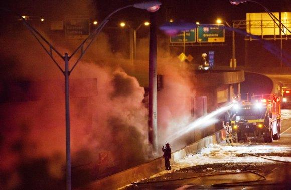 """""""Scanpix""""/AP nuotr./Atlantoje užsiliespnojo ir sugriuvo dalis viaduko"""