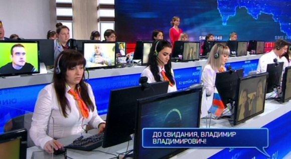 """""""Twitter"""" nuotr./V.Putinui SMS žinutėmis užduota aštrių klausimų, bet paaiškėjo, kad jie buvo surežisuoti"""