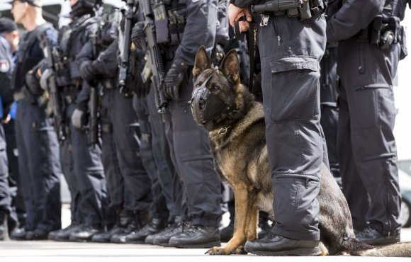 """AFP/""""Scanpix"""" nuotr./G-20 susitikimui Hamburge ruošiasi visos Vokietijos policija"""