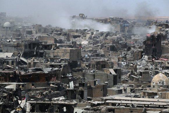 """AFP/""""Scanpix"""" nuotr./Mosulo centras – visiškai sugriautas"""