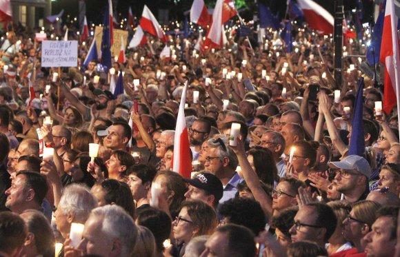 """""""Scanpix""""/AP nuotr./Lenkai protestavo prieš teismų reformą"""