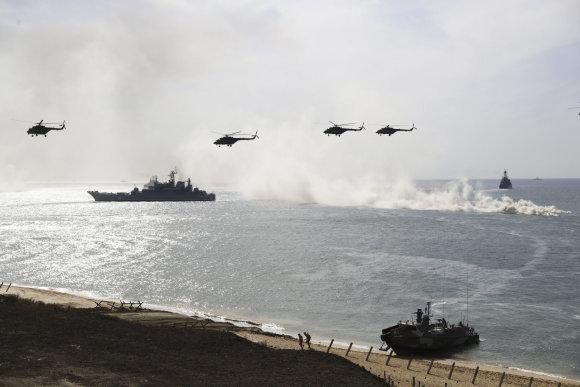 """""""Scanpix""""/AP nuotr./Rusijos karinės pratybos Kryme 2016 metais"""