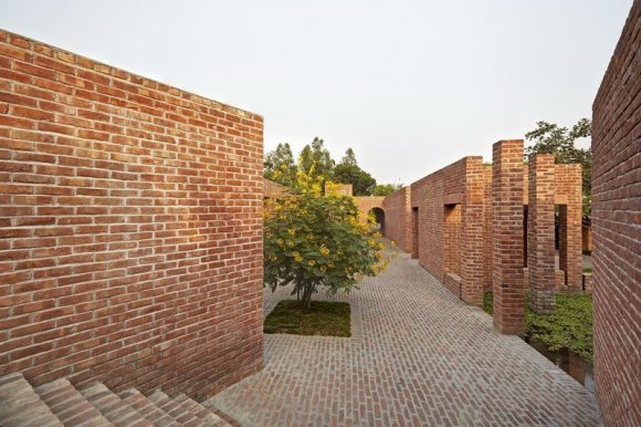 arch. Kashef Chowdhury / URBANA/Draugystės centras Bangladešo provincijoje