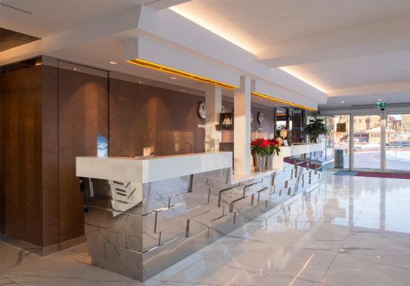 Luko Gadeikio nuotr./IDW Esperanza Resort registratūra ir baras