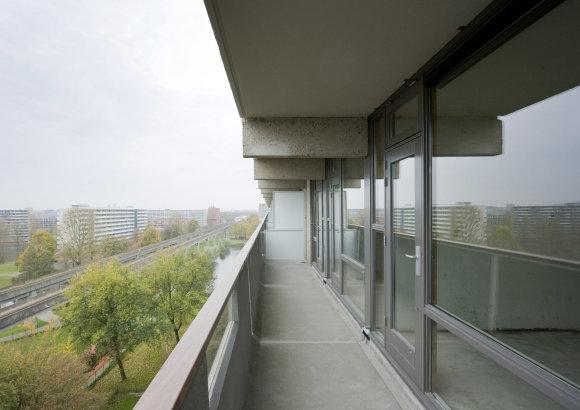 """Mies van der Rohe"" fondo nuotr./Namo ""DeFlat Kleiburg"" Amsterdame renovacija, arch. ""NL Architects"" ir ""XVW architectuur"", Mies van der Rohe premija 2017"