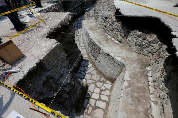 """""""Reuters""""/""""Scanpix"""" nuotr./Meksike rasta senovinė actekų šventykla ir aikštė žaidimui kamuoliu"""