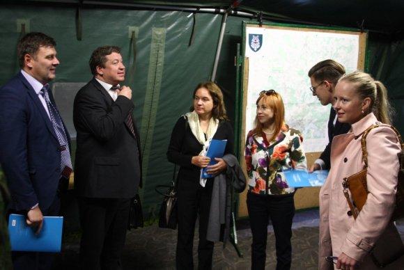 Luko Kalvaičio nuotr./Ministrai posėdyje Rukloje susipažino su krašto apsaugos sistemos investicijomis ir grėsmėmis