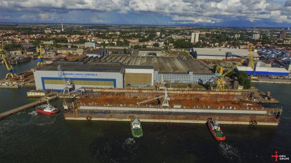 VLG nuotr./Klaipėdos uostą pasiekė didžiausias Baltijos šalyse dokas