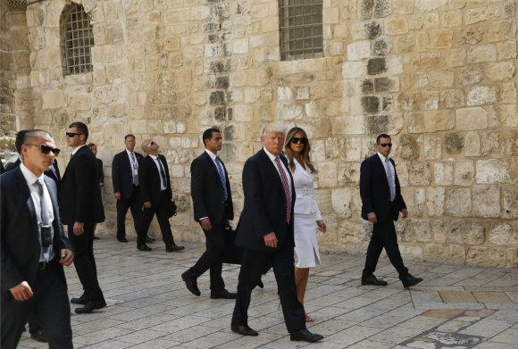 TT NYHETSBYRÅN/D.Trumpas lanko Vakarų (Raudų) sieną Izraelyje