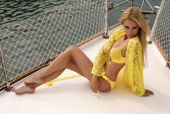 123RF.com nuotr./Maudymosi kostiumėlių tendencijos vasara 2017
