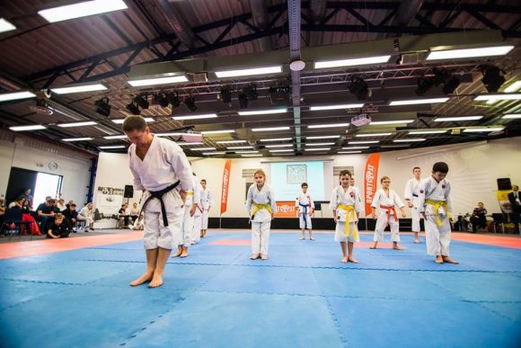 Manto Repečkos nuotr. /Karate treniruotė