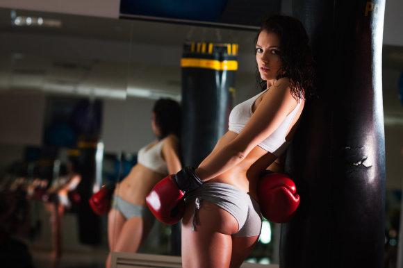 Shutterstock nuotr./Stipri, valinga mergina.