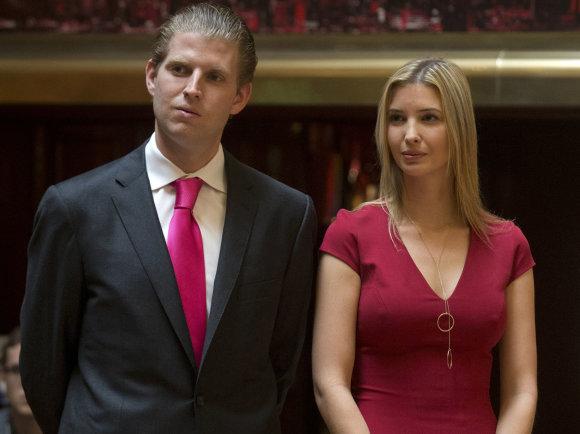 """""""Reuters""""/""""Scanpix"""" nuotr./Ericas ir Ivanka Trumpai"""