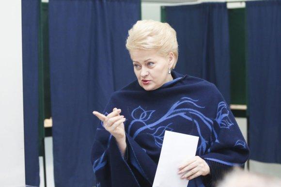 Irmanto Gelūno/15min.lt nuotr./Dalia Grybauskaitė iš anksto balsavo savivaldybių tarybų rinkimų antrame ture