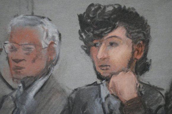 """""""Reuters""""/""""Scanpix"""" nuotr./Piešinyje pavaizduotas teisme sėdintis Džocharas Carnajevas"""