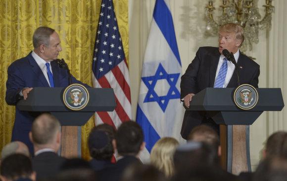 """""""Scanpix""""/""""Sipa USA"""" nuotr./Benjaminas Netanyahu ir Donaldas Trumpas"""