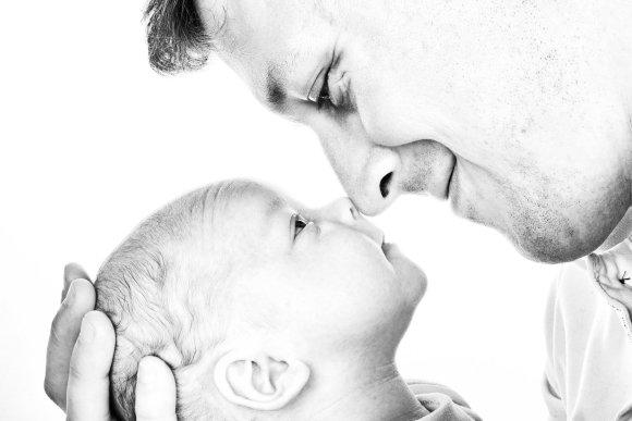 Shutterstock nuotr./Tėtis ir vaikas.