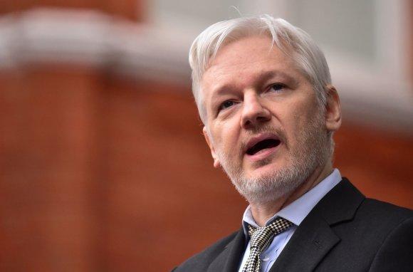 """""""Scanpix""""/""""PA Wire""""/""""Press Association Images"""" nuotr./""""WikiLeaks"""" įkūrėjas Julianas Assange'as"""