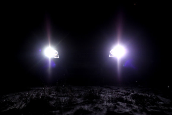 """Andriaus Lauciaus nuotr./""""Xenon"""" šviesos: kodėl mane akina šviečiantys kitų automobilių žibintai?"""