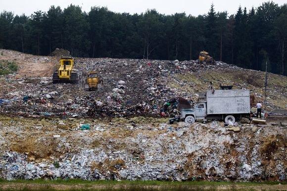 Irmanto Gelūno / 15min nuotr./Kazokiškių sąvartyne atliekos kaupiasi itin greitai – baigiama užpildyti pirmoji sekcija ir jau planuojama antroji.