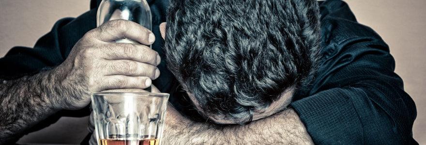 Iš rinkos surenkamas nesaugus kanapių aliejus ir alkoholinis gėrimas