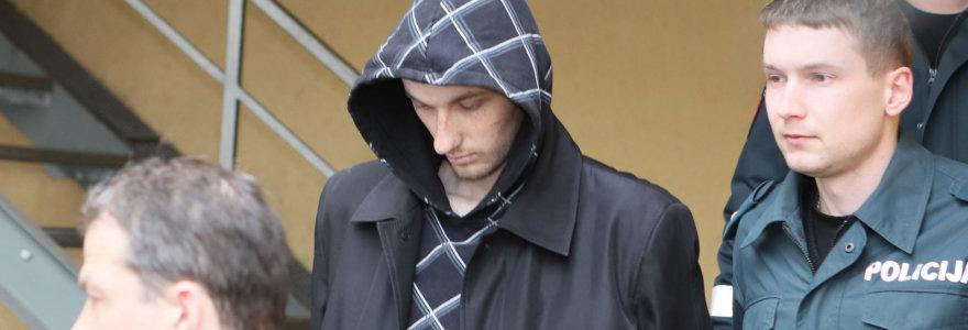 Šeimos žudynėmis įtariamas, bet apie nusikaltimą nekalbantis E.Anupraitis liks už grotų: jį tiria psichiatrai