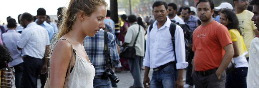 Indijos ministras užsienietėms: nesegėkite čia sijonų