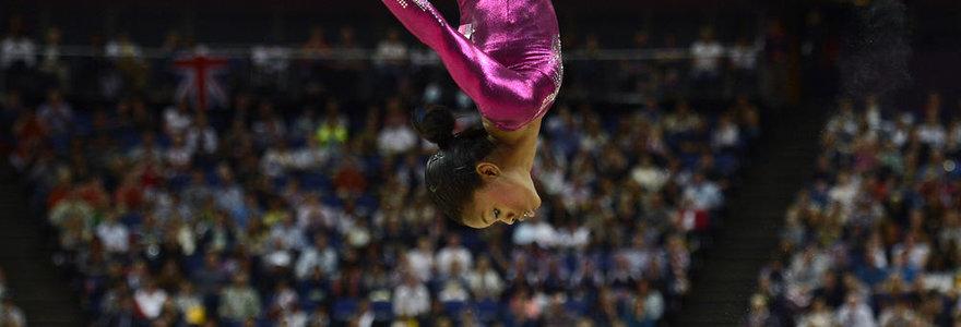 Dar vienos nepilnametės auksas: gimnastikos daugiakovės Londono olimpiados čempione tapo 16-metė Gabrielle Douglas