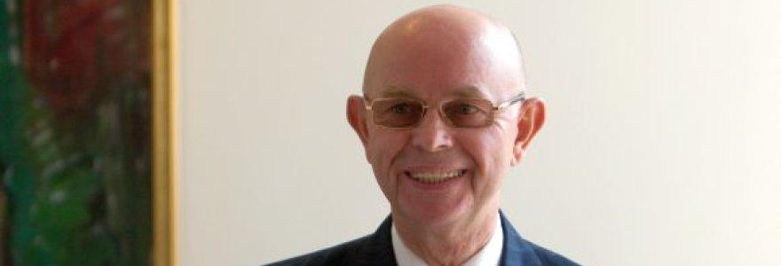 Premjero patarėjas Antanas Vinkus paliko Neringos savivaldybės tarybą