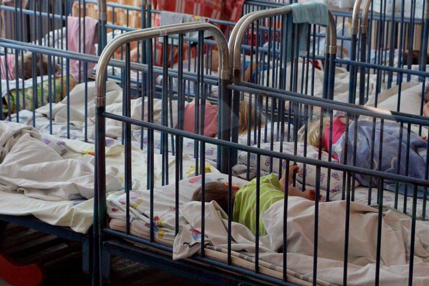 Kaune veikia tik keli valstybiniai darželiai, kuriuos gali lankyti vaikai nuo 1 metų. Vietų juose nėra.