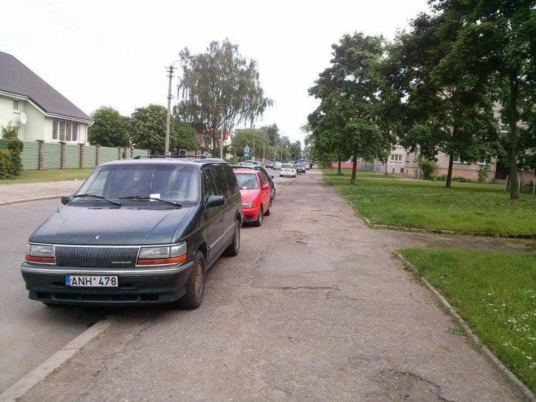Automobiliai Vilties gatvėje