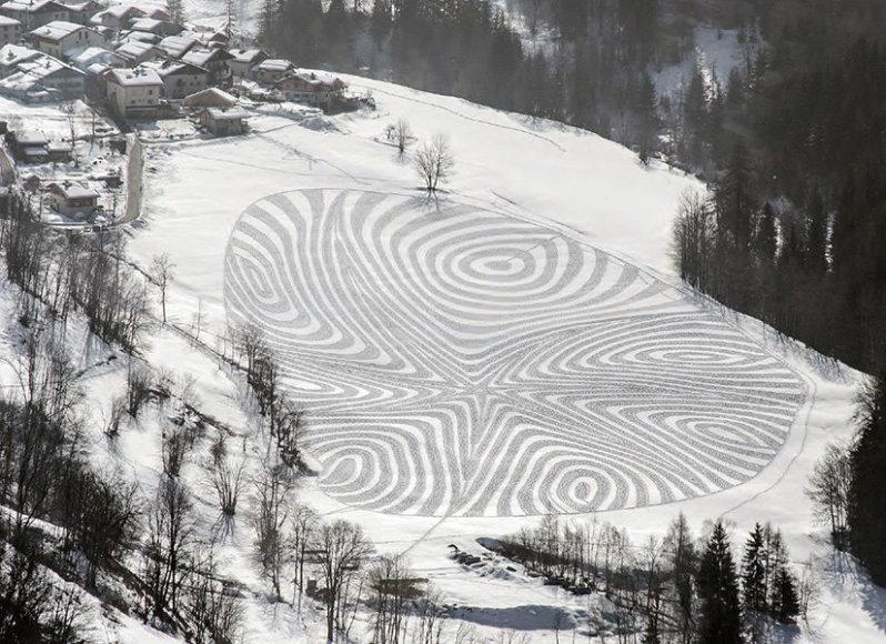 S.Becko sukurtas sniego piešinys