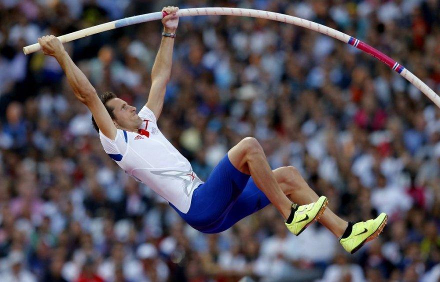 Prancūzas Renaudas Lavillenie laimėjo aukso medalį šuolio į aukštį su kartimi rungtyje.