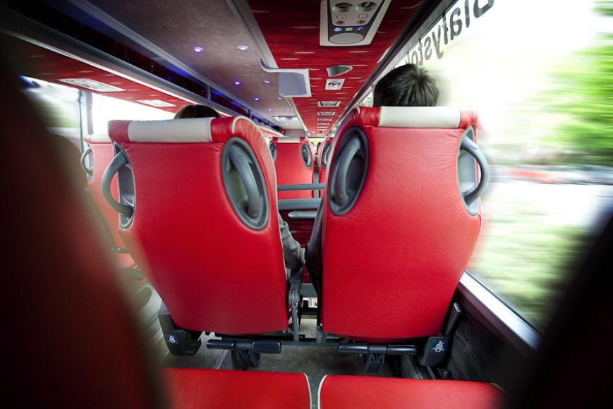Autobuse
