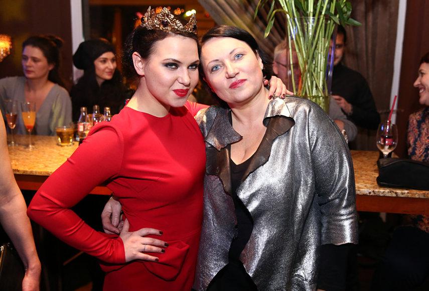 Justė Arlauskaitė-Jazzu su mama Aukse