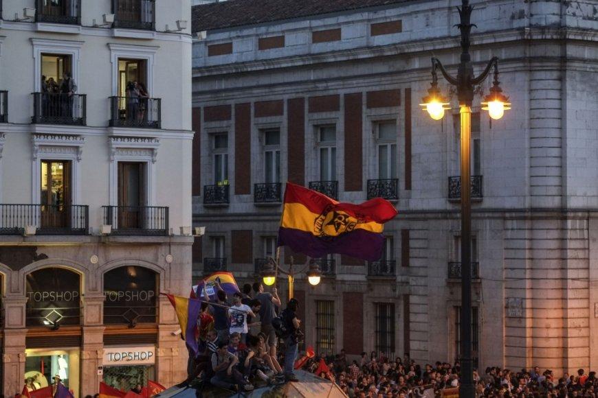 Ispanijos karaliui atsisakius sosto į Madrido gatves išėjo antimonarchistai