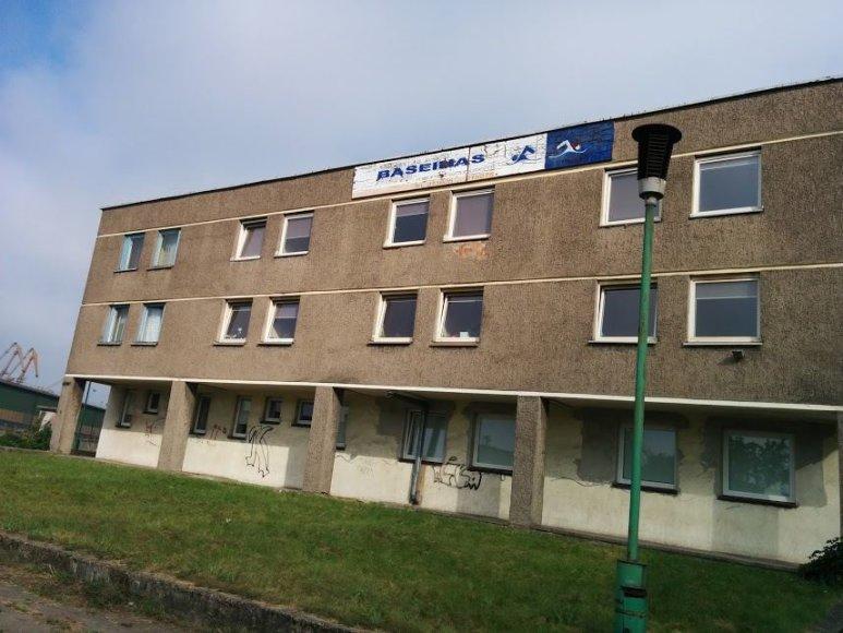 """Legendinis baseinas """"Dinamo"""" Klaipėdoje jau kelerius metus užvertas."""