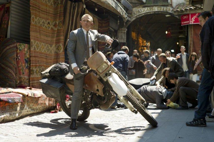 """Danielis Craigas filme """"007 operacija Skyfall"""""""
