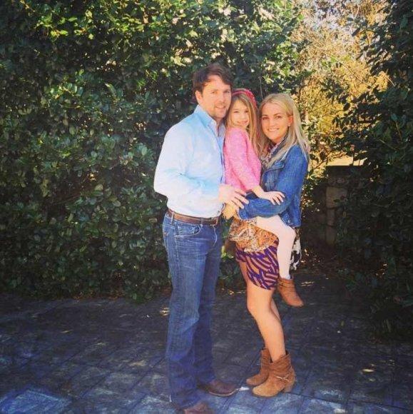 """Instagram"" nuotr./Jamie Lynn Spears su vyru Jamie Watsonu ir dukra Maddie"