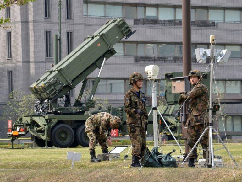Tokijas rengiasi galimam Šiaurės Korėjos raketų paleidimui.