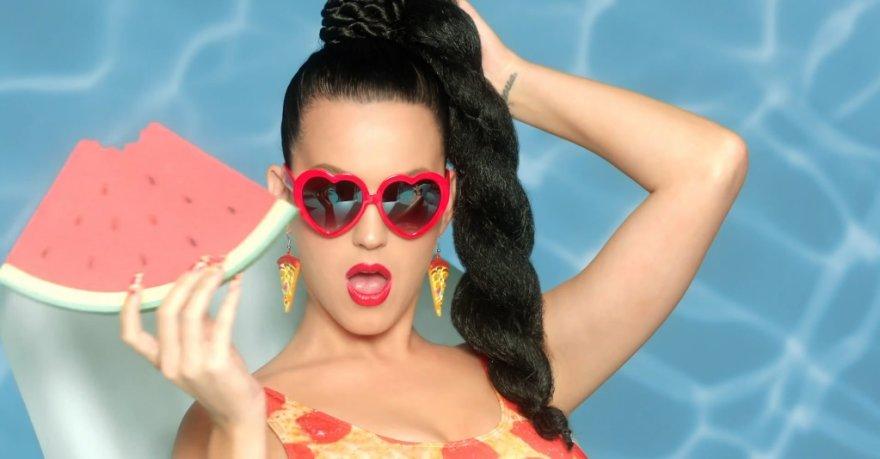 """Katy Perry dainos """"This Is How We Do"""" vaizdo klipe"""