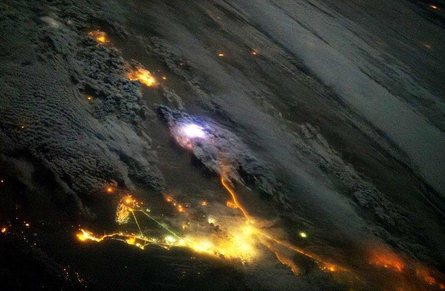 Žaibo vaizdas iš kosmoso