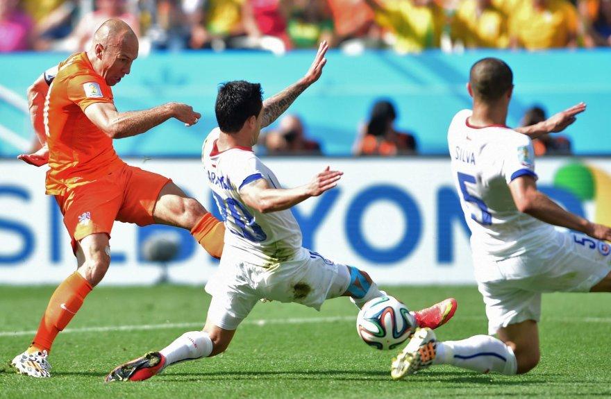 A.Robbeną seka du čiliečiai