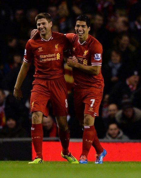 Stevenas Gerrardas ir Luisas Suarezas