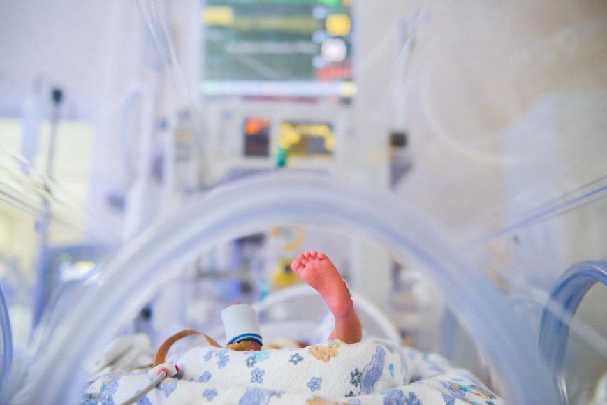 Neišnešiotų naujagimių kasmet gimsta vis daugiau. Jiems labai svarbi ir reikalinga ne tik kvalifikuota medicininė pagalba, bet ir jų tėvelių rūpestis, buvimas šalia